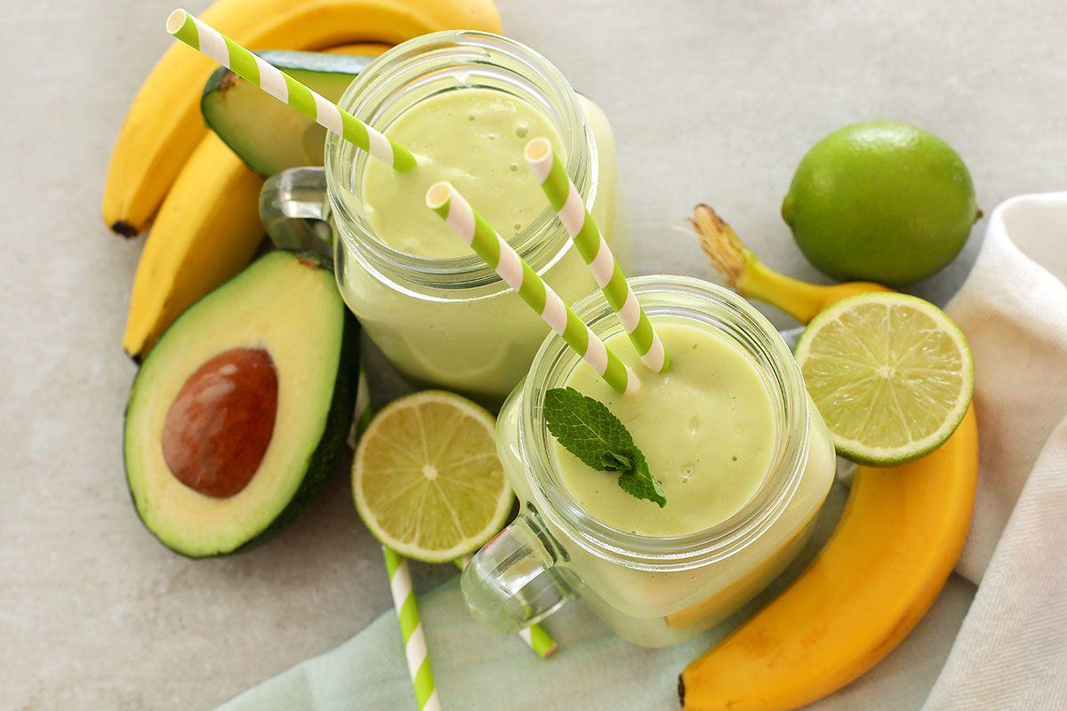 Avocado and banana green smoothie
