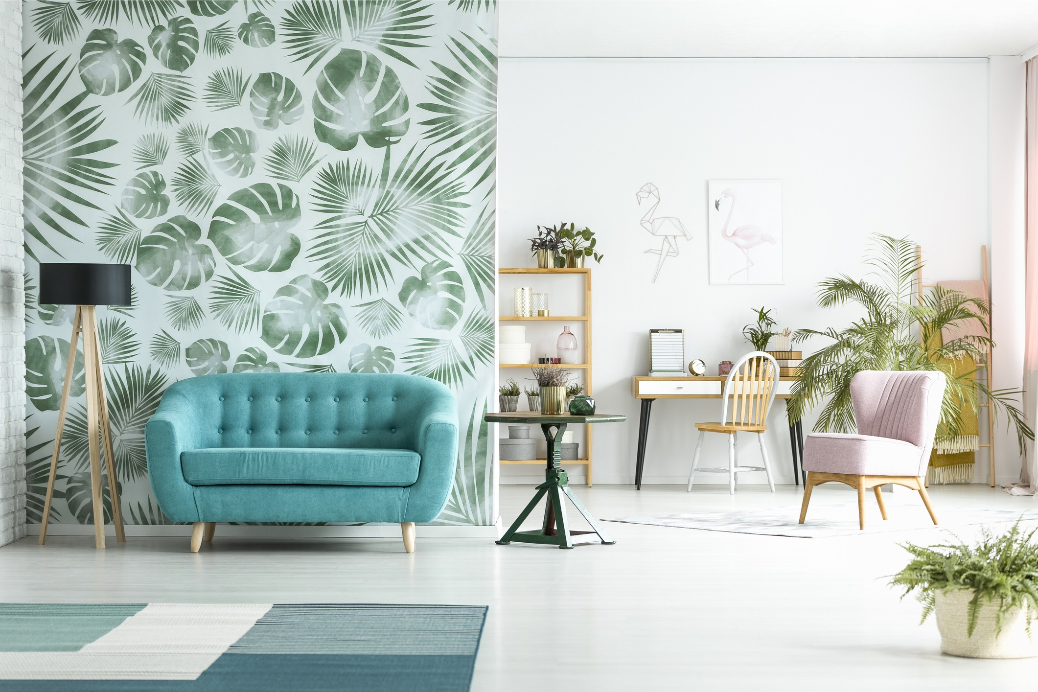 A fresh interior design in whites and shades of green